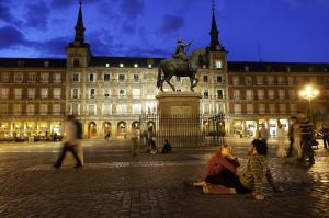 Plaza Mayor de noche.jpg